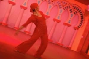 foto di Sabina Todaro mentre balla lyrical arab dance